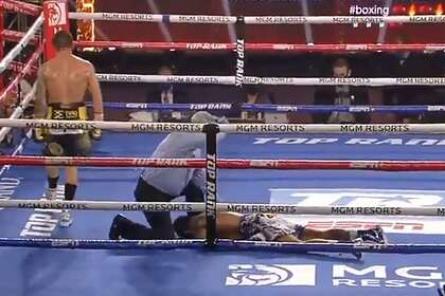 Боксер нокаутировал соперника пугающим ударом