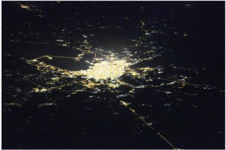 Космонавт сделал редкий снимок ночного Санкт-Петербурга (ФОТО)