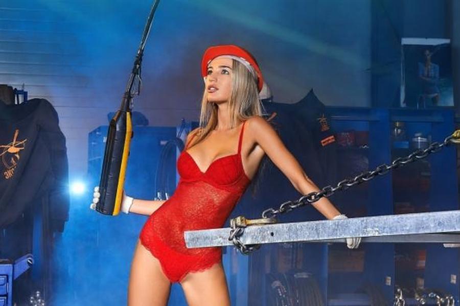 Русская порнозвезда сбила человека