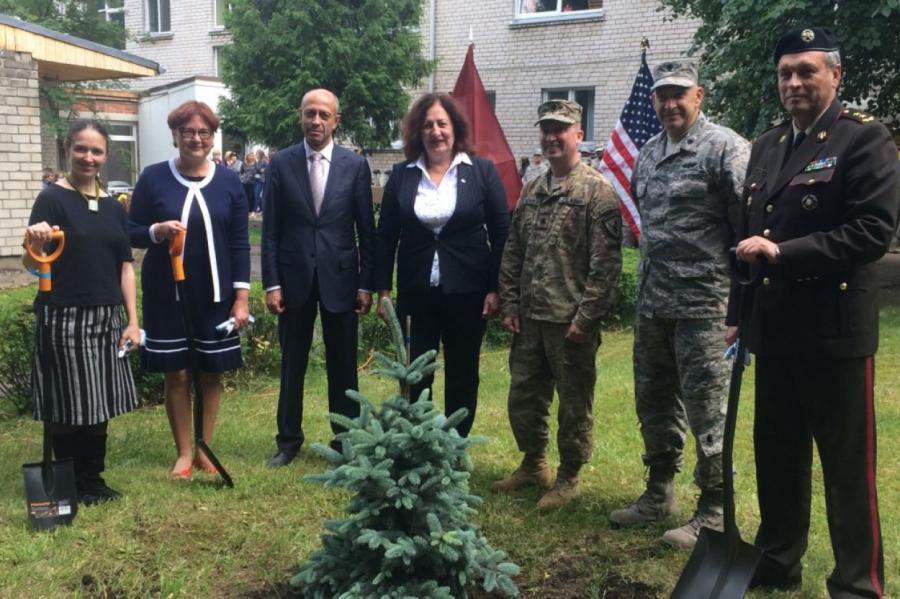 Фото: посольство США вЛатвии