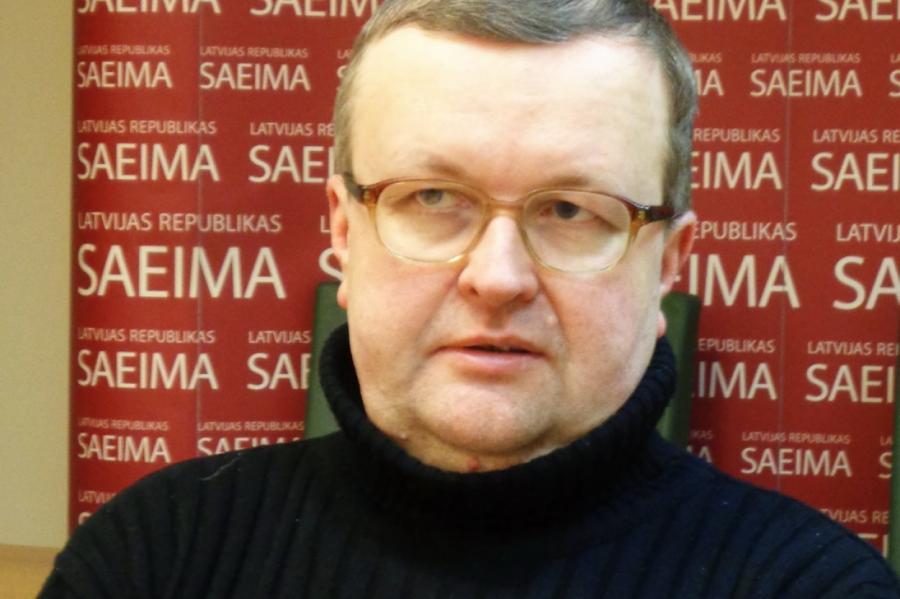 Юрис Павлович.