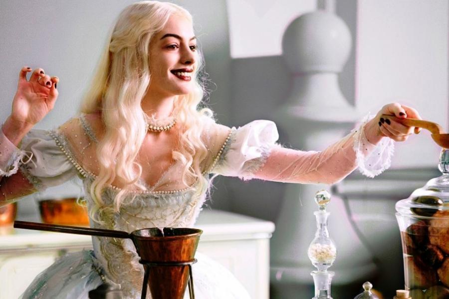 Кадр изфильма «Алиса встране чудес»