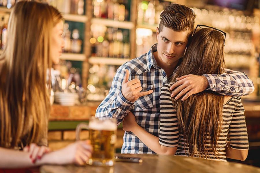Почему мужчины изменяют: 6 неожиданных причин и мнение психолога новые фото
