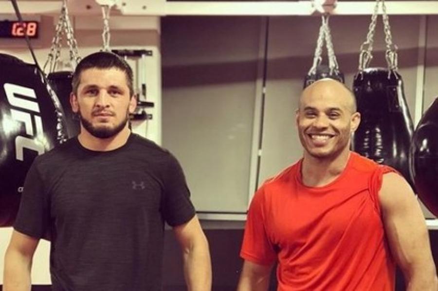 Зелим Имадаев (слева) иАли Абдель-Азиз