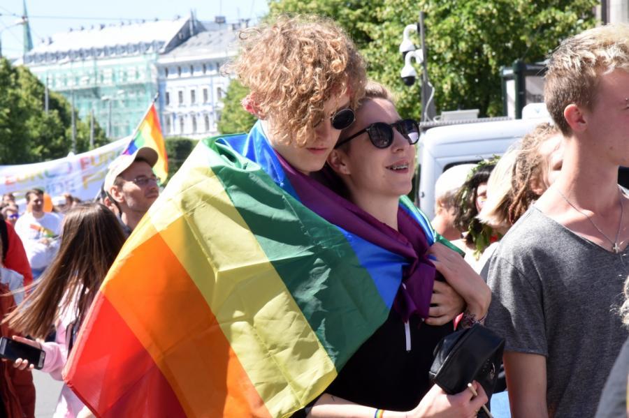 Шествие Балтийского гей-прайда вРиге, фото LETA