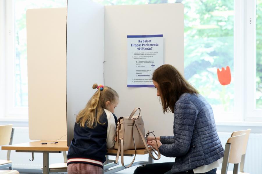 ВЛатвии проходят выборы вЕвропарламент, фото LETA