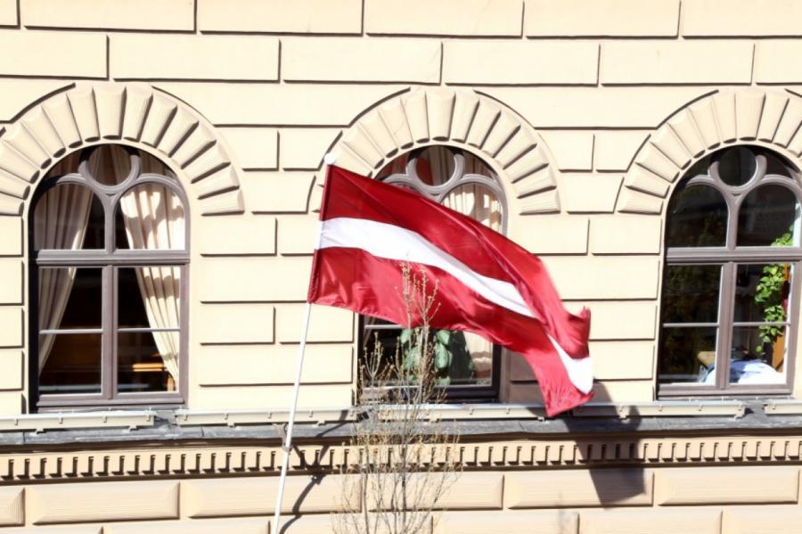 Большинство депутатов Сейма нашли более интересные занятия, чем посещение заседаний Сейма... Фото: LETA
