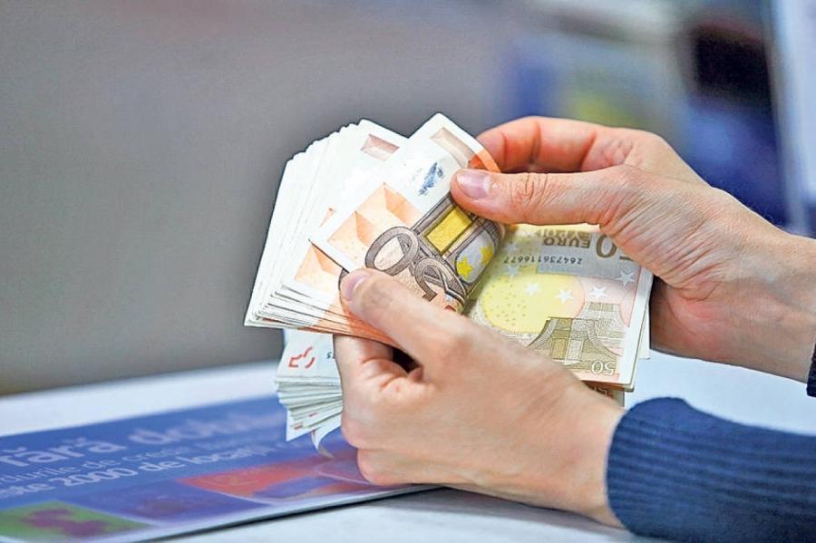 как правильно отдавать деньги взятые в долг