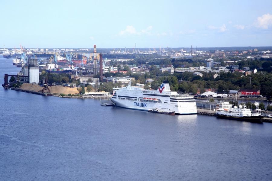 Латвийских пассажиров возят по морю в Стокгольм эстонцы.