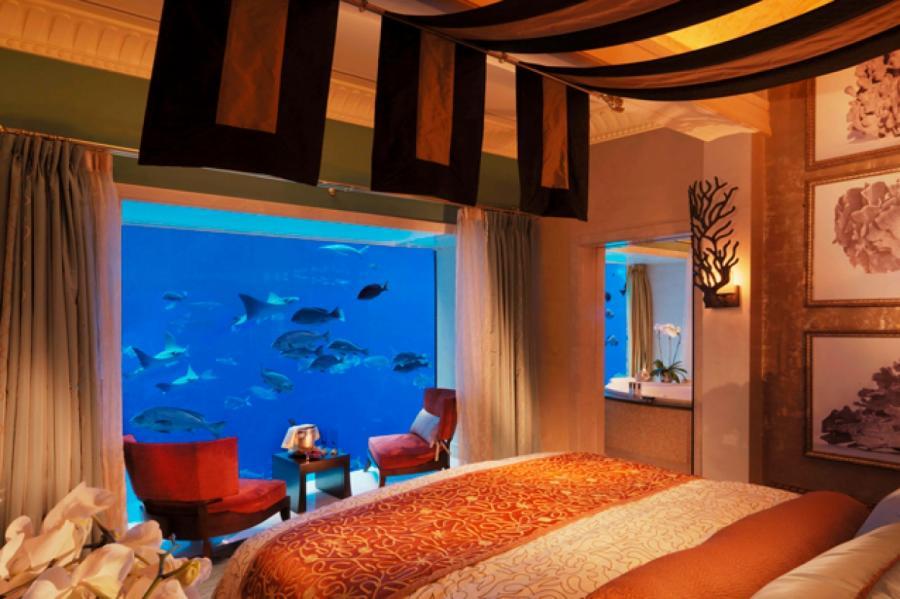 Спальня трехуровневого сьюта находится под водой Фото: Пресс-служба