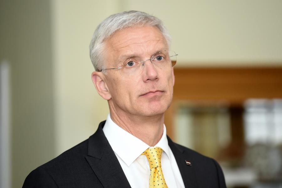 Кариньш обещает обложить жителей Латвии новыми налогами
