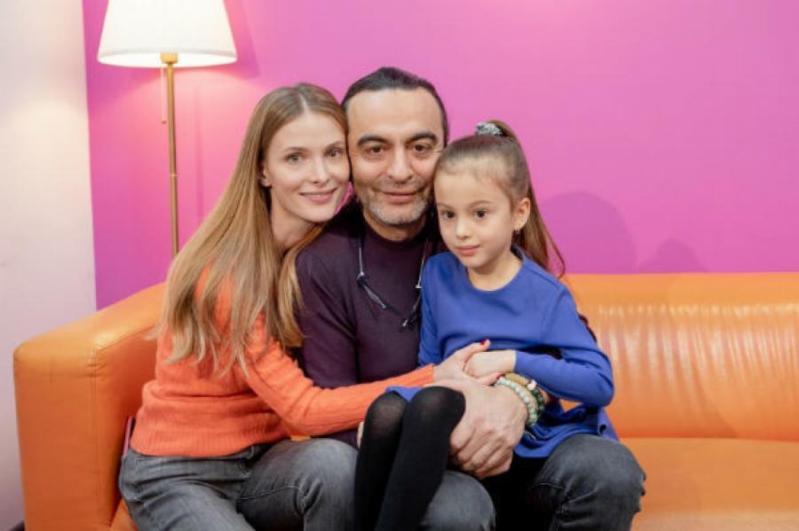 Младшую дочь пара до сих пор не представила публике