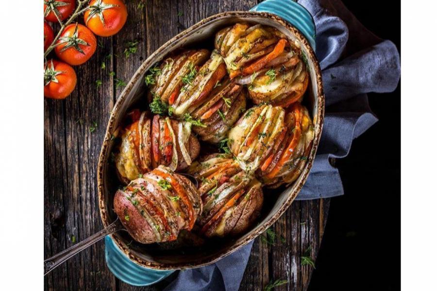 Картофель с куриной грудкой, сыром и специями