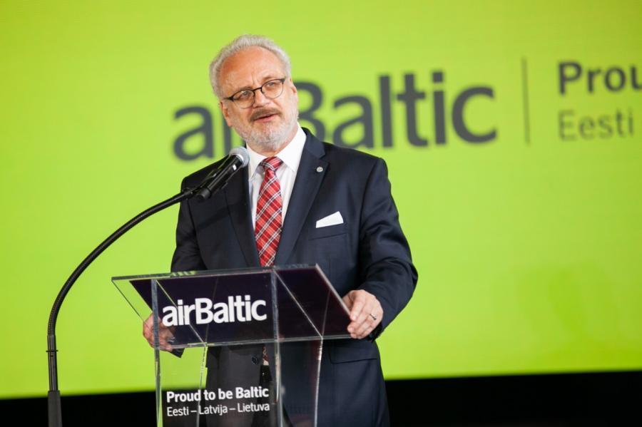 Президент Левитс доволен авиакомпанией.