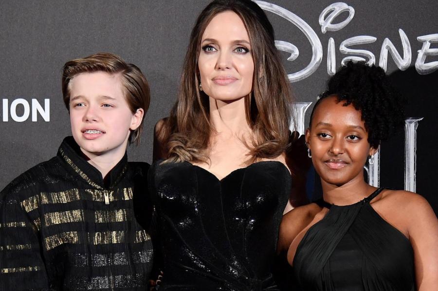 Анджелина Джоли с Шайло и Захарой.