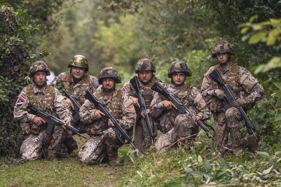Земессарги 56-го батальона хотят ездить с комфортом.