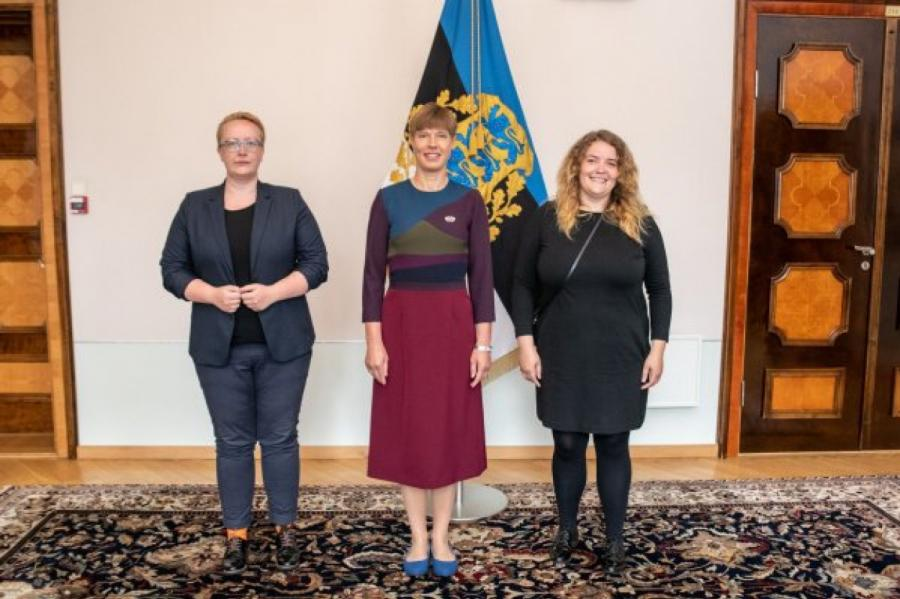 Президент Керсти Кальюлайд (в центре) с активистами Эстонской ЛГБТ-ассоциации. Фото: facebook.com / xgay.ru