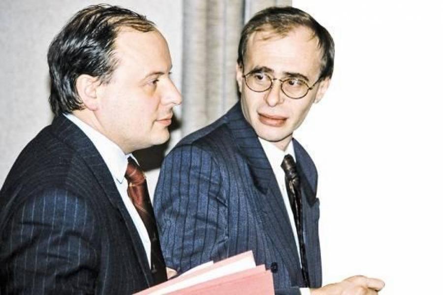 Больше не слух: в правительстве Гайдара работали масоны (фото: РИА Новости)