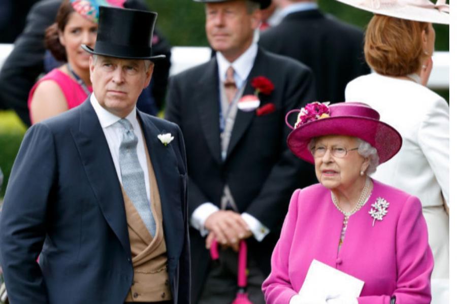 Принц Эндрю и королева Елизавета II  Источник фото: Getty Images