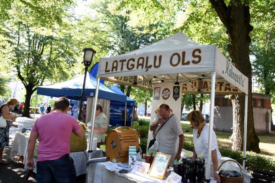 Рынок в латгальской Аглоне в августе, фото LETA