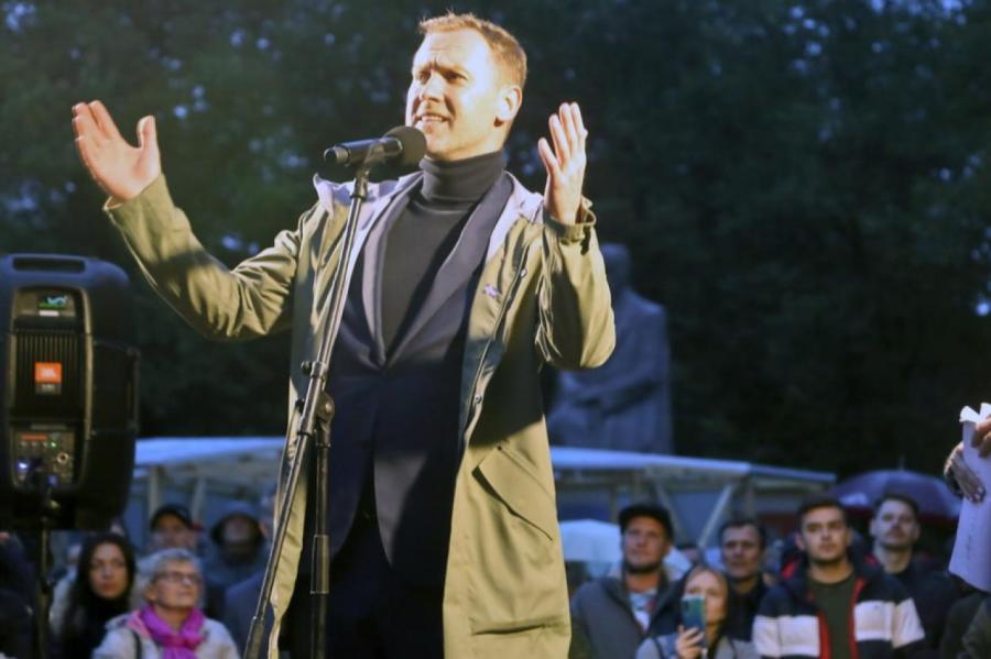 Гуру, обещающий спасти Латвию.