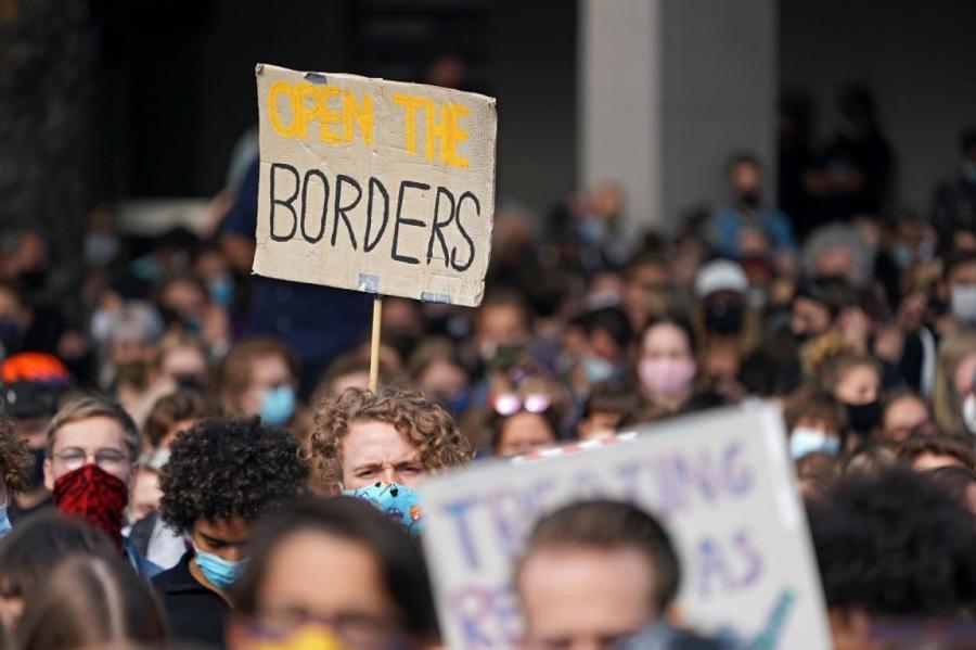 Демонстрация в Берлине в поддержку беженцев.