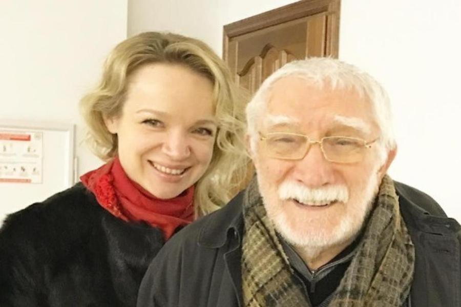 Виталина Цымбалюк-Романовская и Армен Джигарханян. Фото: instagram.com/vitalinaromanovskaya