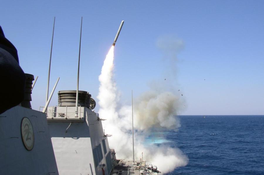 Запуск ракеты Tomahawk с эсминца USS Porter (DDG-78).
