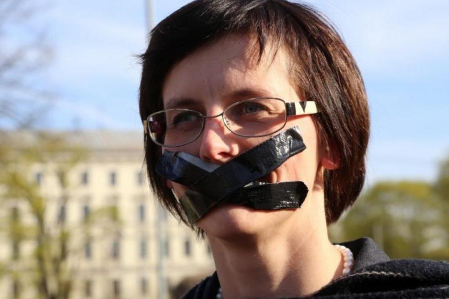 Латвийский правозащитник, юрист, депутат Юрмальской думы Елизавета Кривцова, фото LETA