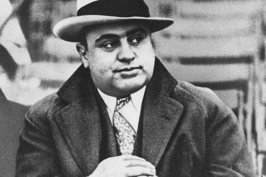 Чикагский гангстер Аль Капоне в 1931 году.