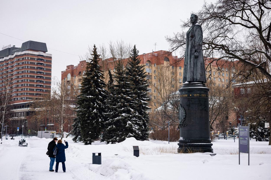 Памятник Дзержинскому сейчас находится в одном из московских парков.