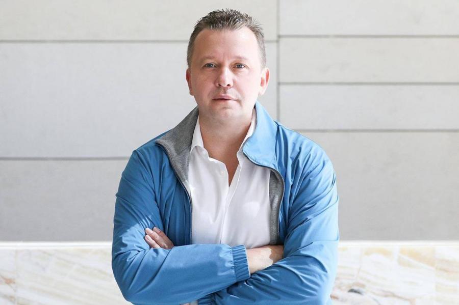 Миллиардер Ломакин присматривается к Латвии.