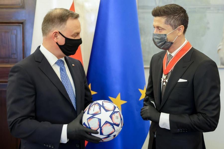 Дуда (слева) и Левандовский.