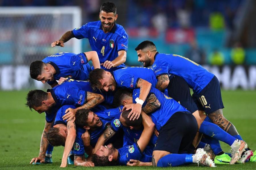 Пока что на Евро–2020 самый яркий футбол демонстрируют игроки сборной Италии.