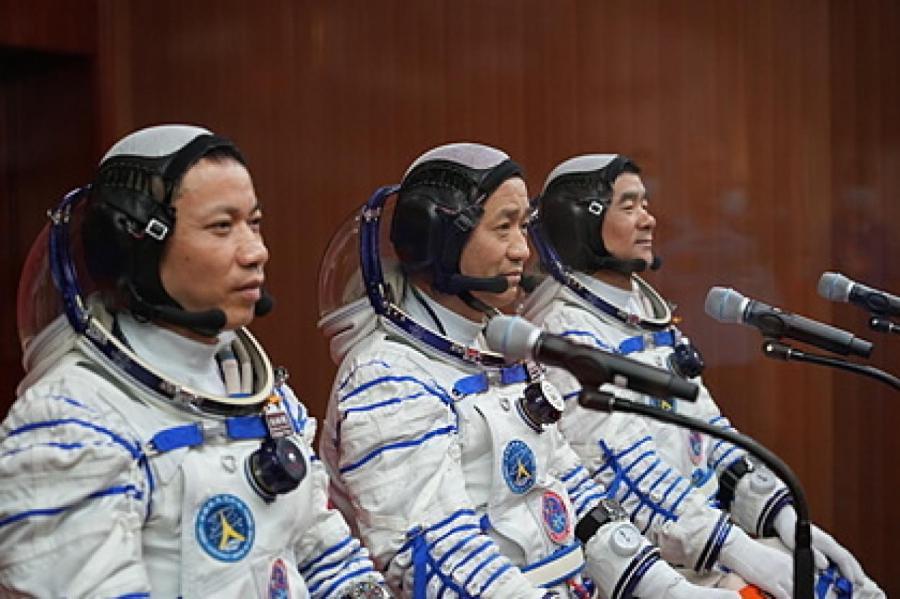 Не Хайшэн, Лю Бомин и Тан Хунбо Фото: Li Gang / XinHua / Global look