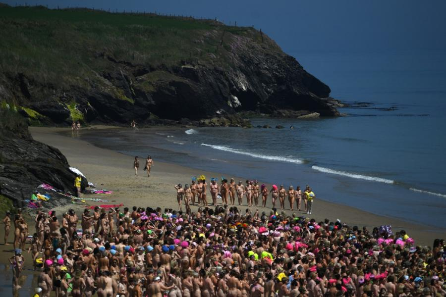 worlds largest skinny dip - 620×349