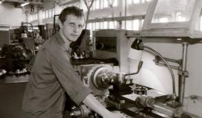 В молодости Пучков сменил множество профессий.