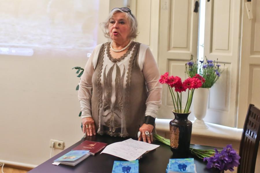 Анна Шишко.