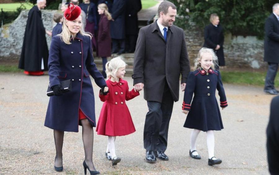 Сын принцессы Анны Питер Филлипс с женой Отэм Келли и двумя дочками Саванной и Айлой