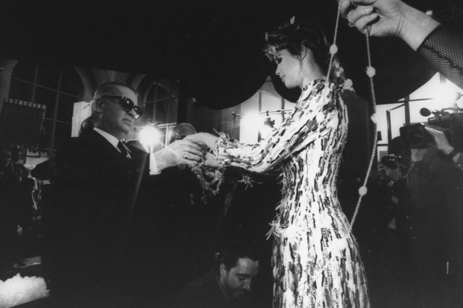 Карл Лагерфельд и Клаудия Шиффер, 1992  Фото: Getty Images