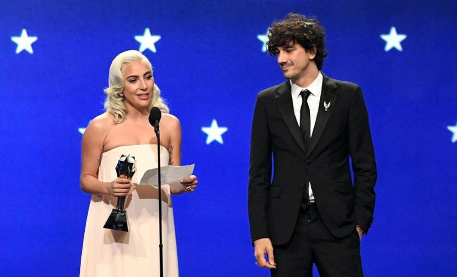 Леди Гага и Энтони Россомандо на премии Critics Choice Awards 2019  https://www.vogue.ru/