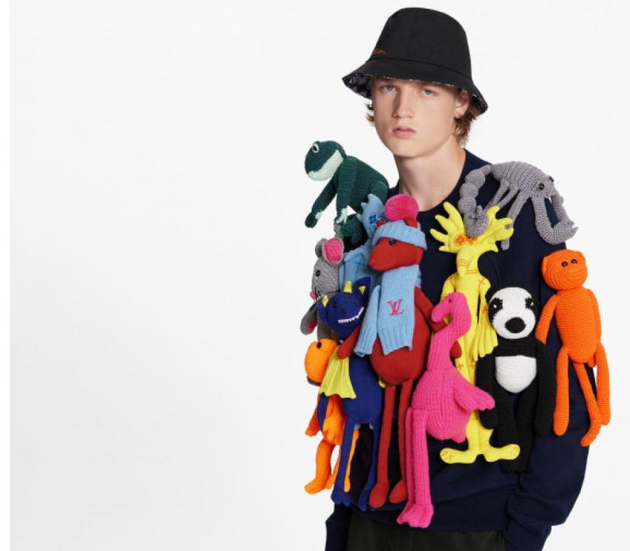 костюм louis vuitton с игрушками
