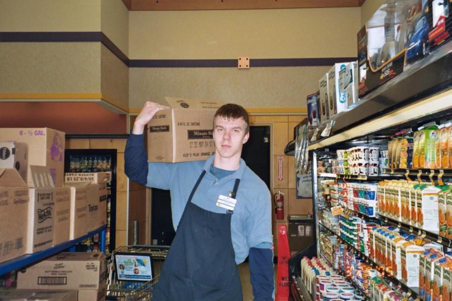 Эдгар в США на рабочем месте, начале 2000–х.